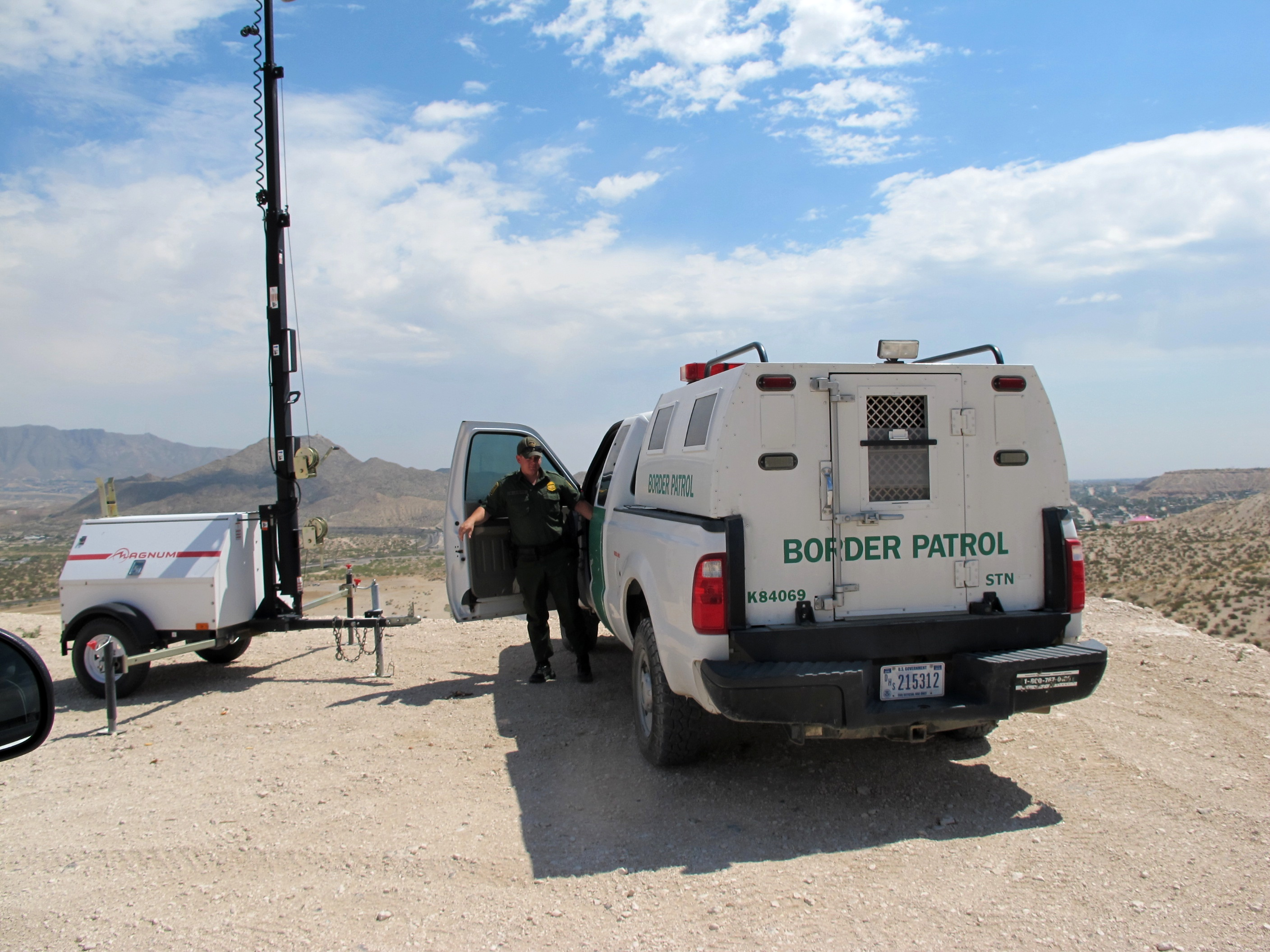 border patrol Us citizenship and immigration service you might want to visit this site for info regarding: working in the us learn about permanent residence.